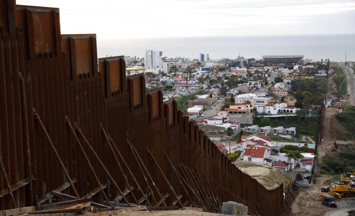 Anuncian acuerdo presupuestario tentativo sobre muro