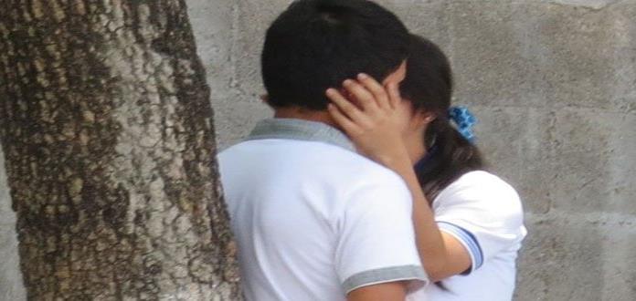 Más de la mitad de los mexicanos asegura estar enamorado