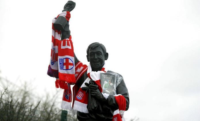 Inglaterra rinde tributo a Gordon Banks