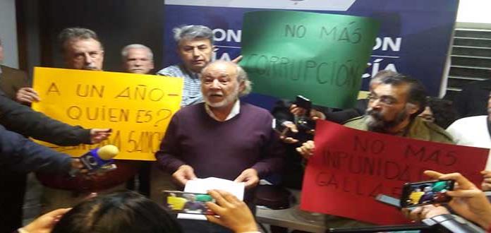 FCA lleva a la Fiscalía mariachi y pastel por caso Sandra Sánchez