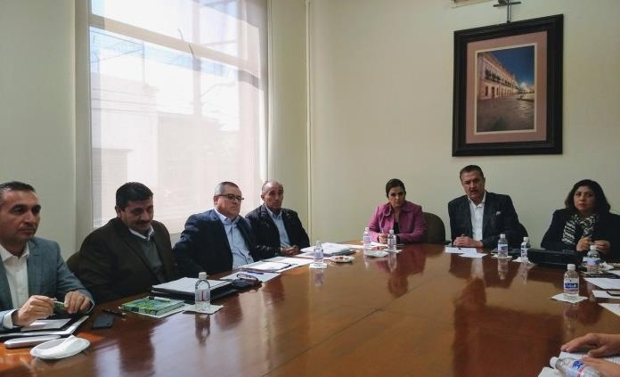 Explica JEC a diputados causa del derrumbe en el distribuidor Juárez