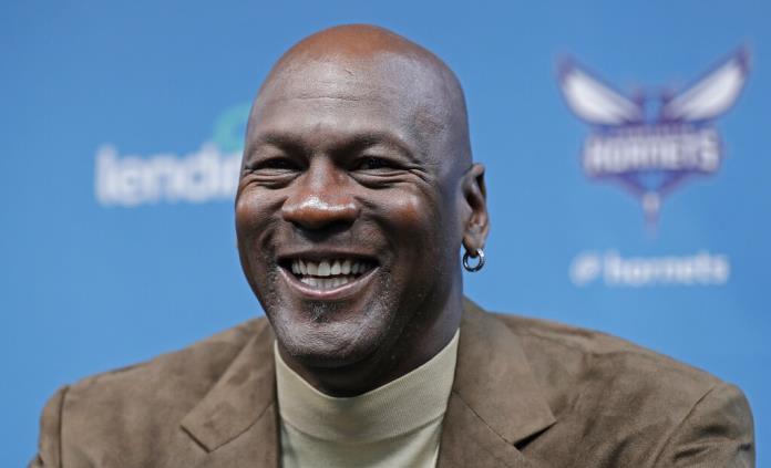 Seis títulos de la NBA es una hazaña difícil de lograr, señala Michael Jordan