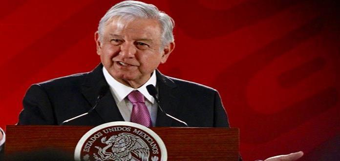 AMLO manda a hacerle una limpia a la silla presidencial