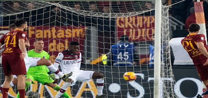 Roma vence 2-1 a Bologna pero no convence en Serie A