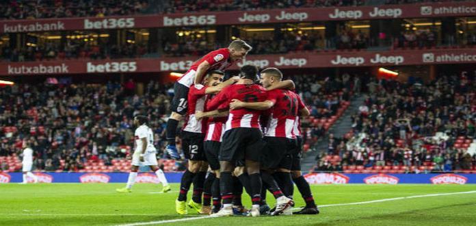 Athletic supera a Huesca  y se aleja del descenso