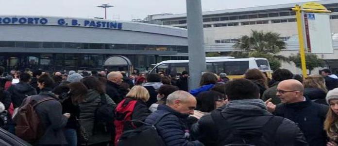 Evacuan aeropuerto de Roma-Ciampino por incendio