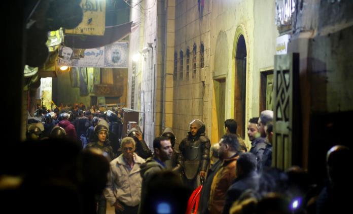 Mueren tres policías en ataque suicida en Egipto