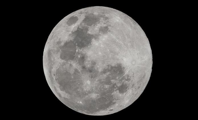 Estudiarán por primera vez muestras lunares intactas de hace 47 años