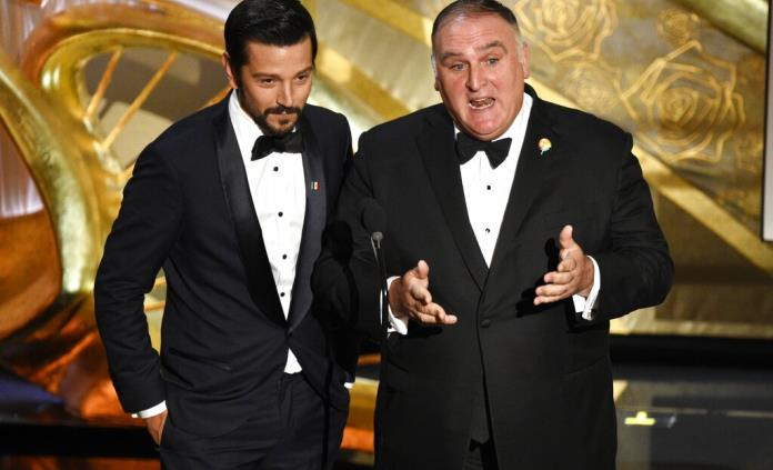 Chef José Andrés se solidariza con los migrantes durante los Oscar