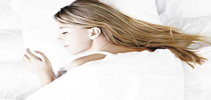 Comer poco antes de dormir ayuda a tener un sueño reparador