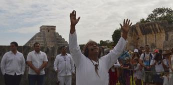Hallan cueva con 200 recipientes en Chichén Itzá