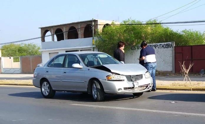 Se Registran Tres Choques En La Carretera A Rioverde Seis Vehículos