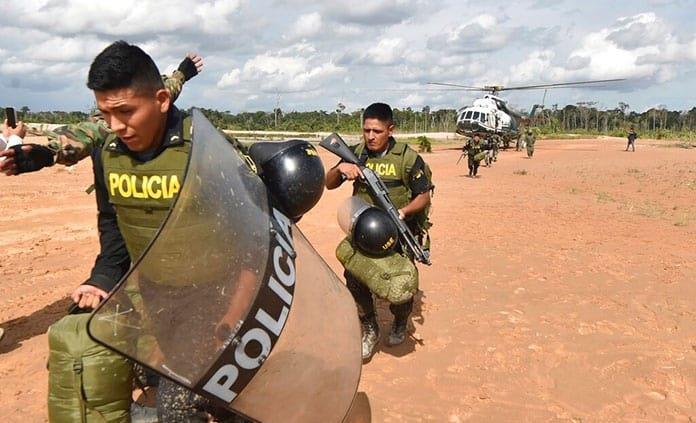 Perú instala bases armadas contra minería ilegal en Amazonía