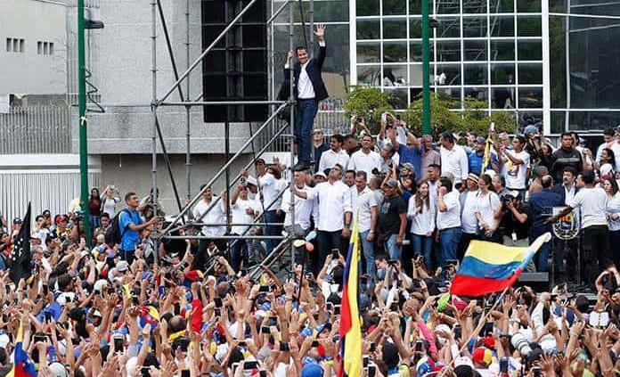 En video: El emocionante reencuentro de Juan Guaidó con su mamá