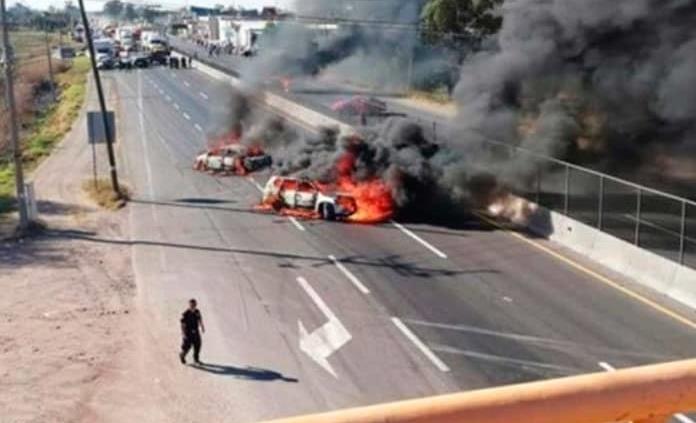 Reportan nuevos bloqueos en tres carreteras de Guanajuato