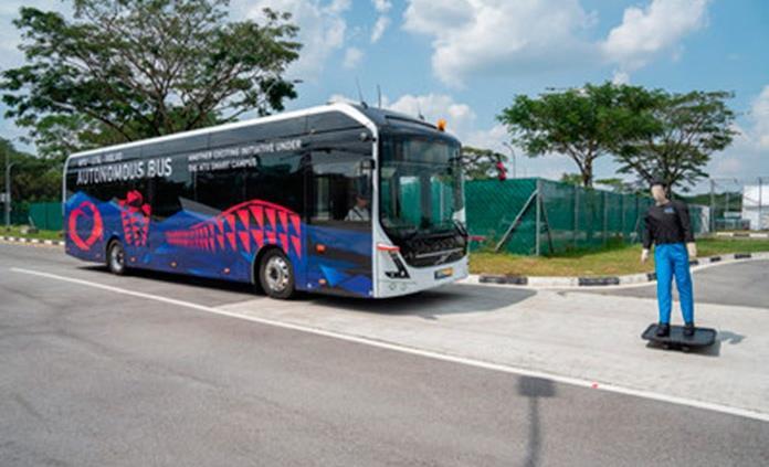 Volvo presenta un maxibús autónomo y eléctrico