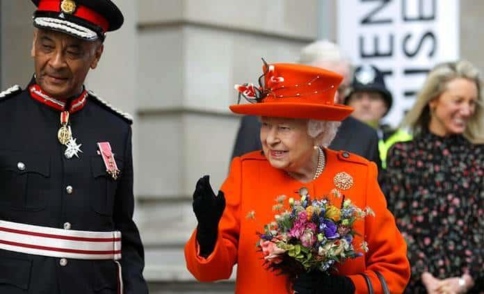 La reina Isabel publica su primer post en Instagram