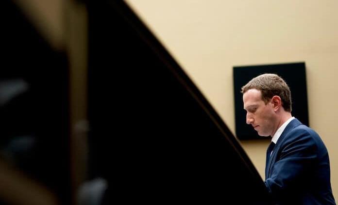 ¿Podrá Zuckerberg hacer un Facebook que respete lo privado?