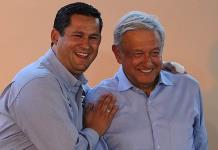 Gobernador de Guanajuato libra abucheos en evento de AMLO (VIDEO)