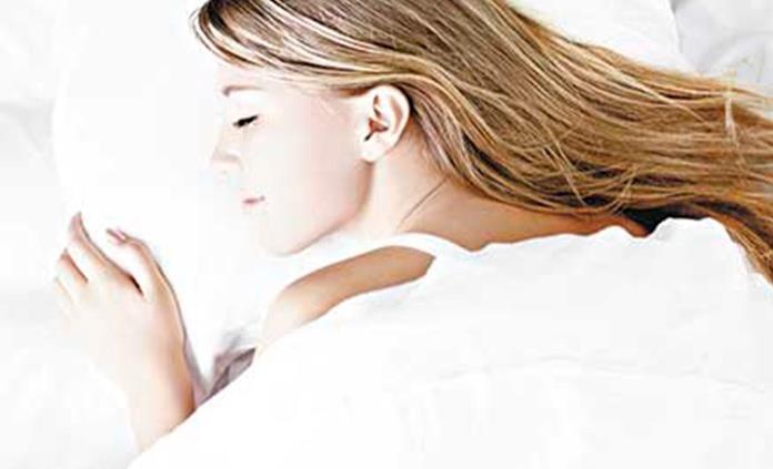 Afirman que dormir bien retrasa 10 años efectos del envejecimiento