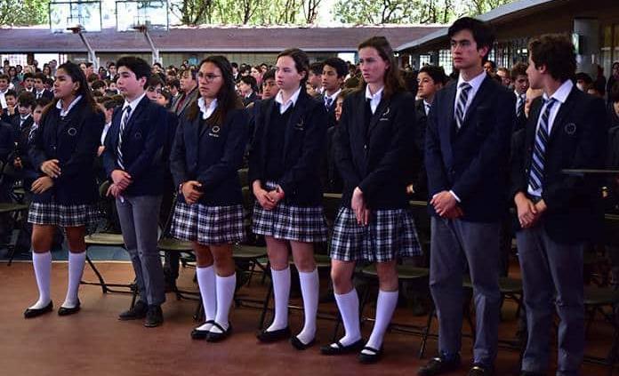 Alumnos del Colegio del Bosque e Instituto Andes reafirman su amor a Dios