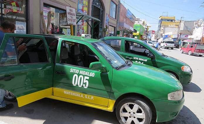 Taxistas piden a SCT un aumento en su tarifa