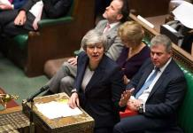 Gobierno de May trata de salvar su acuerdo de Brexit