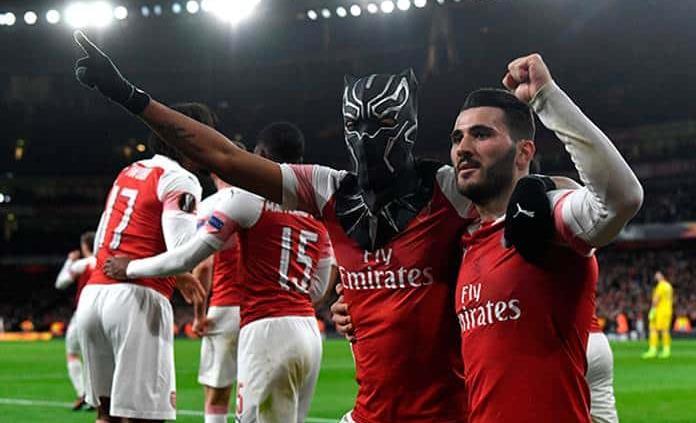 Aubameyang pone al Arsenal en cuartos