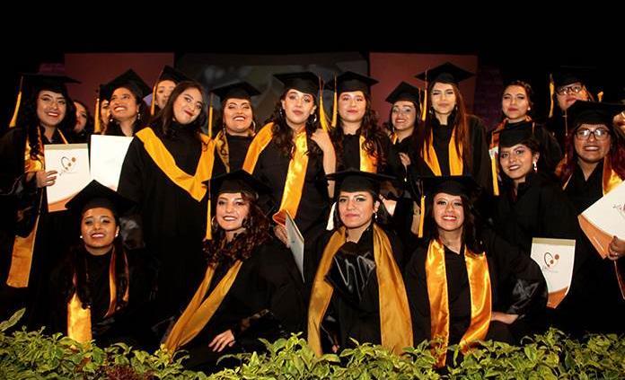 Egresa generación del Colegio José Vasconcelos