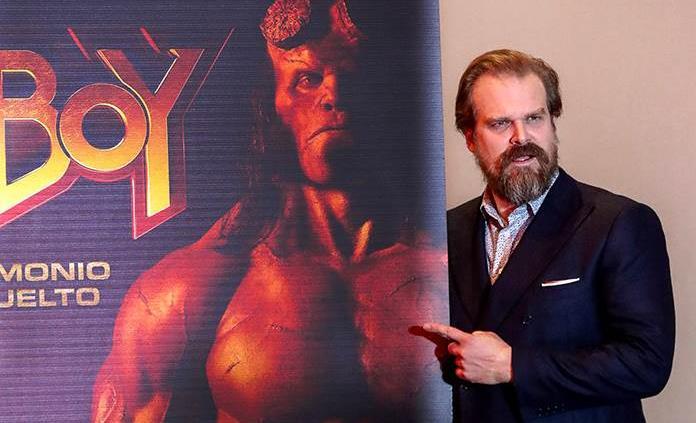 David Harbour promociona Hellboy en México