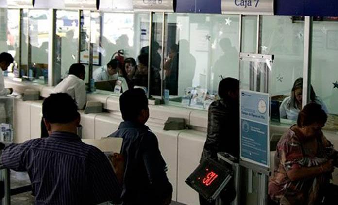 Bancos suman 7 meses de bajas ganancias y baja el crédito al consumo