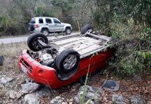 Familia de Ciudad Fernández sufre volcadura