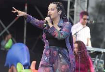 Ximena Sariñana pone a bailar al Vive Latino 2019
