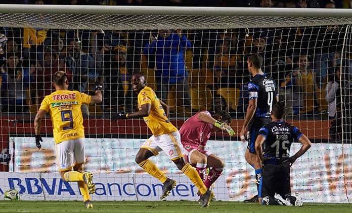 Eduardo Vargas anotó un golazo en la paliza de Tigres contra Querétaro