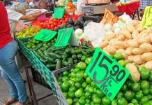 Mexicanos, obligados a trabajar más para poder comer