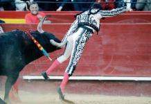 Enrique Ponce sufre cornada en Valencia