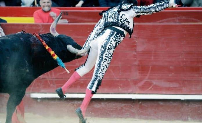 La impresionante cornada que hirió al torero Enrique Ponce en España