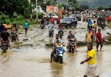 Deslaves matan a 58 personas en Indonesia