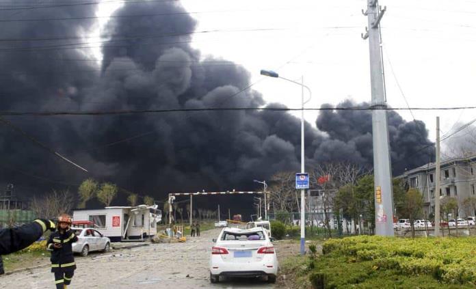 Fuerte explosión en una planta química en el este de China