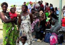 Migrantes saturan estación en Chiapas