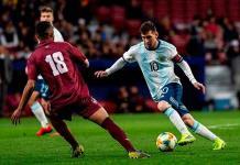 Argentina cae ante Venezuela en regreso internacional de Lionel Messi