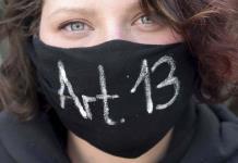 Miles protestan en Alemania por reformas de la UE a internet