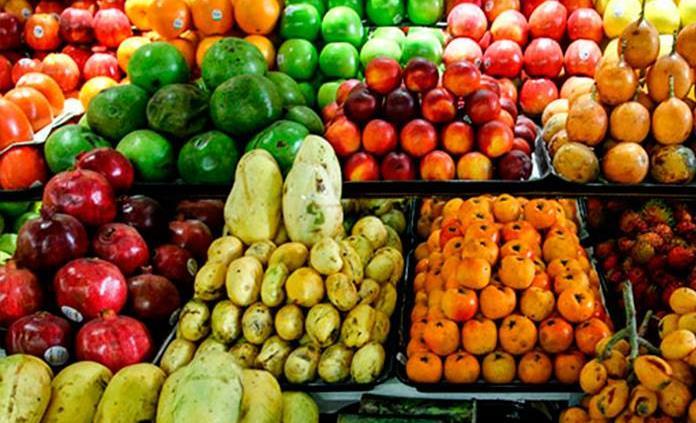 ¿Debes o no quitarle la etiqueta a las frutas?