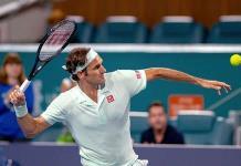 Federer supera con facilidad a Krajinovic y llega a octavos de final