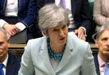 Theresa May, desafiante  frente al Parlamento