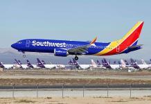 Un 737 Max 8 aterriza de emergencia