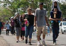 Honduras expresa malestar a México por anunciar Caravana Madre de inmigrantes