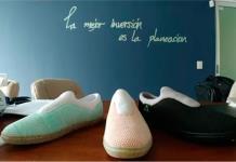 Presentan eco-zapatos hechos con PET y sargazo