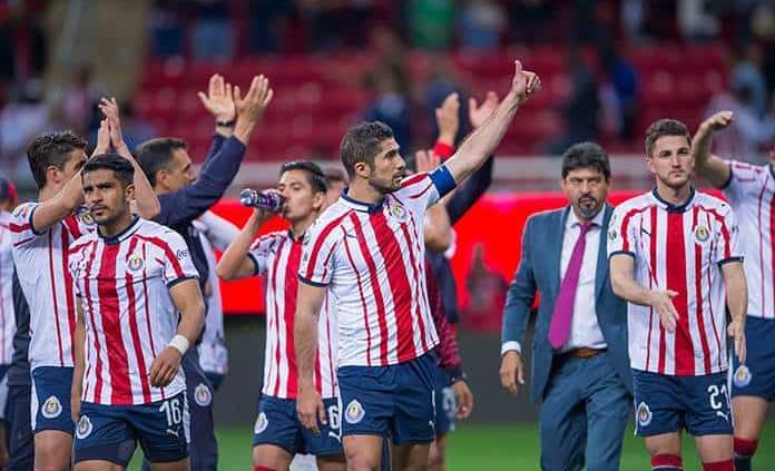 Chivas busca reconciliarse con sus aficionados