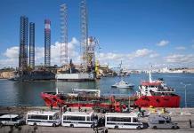 Acusan a 3 migrantes por secuestro de buque